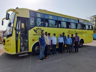 कोरोना टीका लगवाने के लिए नगरसेवक ने की बस की व्यवस्था  | #NayaSaberaNetwork