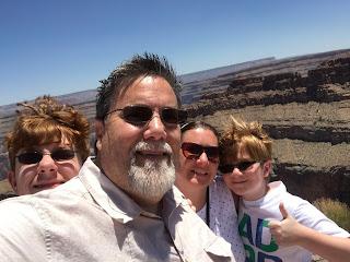 David Brodosi and family visit the grand canyon
