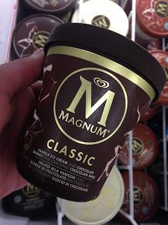 Magnum Tub Classic Milk Chocolate Ice Cream