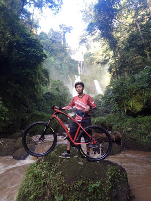 air terjun curugsewu , gowes bahagia, sepeda wisata