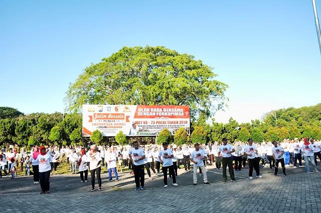 Peringati Hari Bhayangkara Ke-73, Forkopimda Kabupaten Lumajang Olahraga Bersama