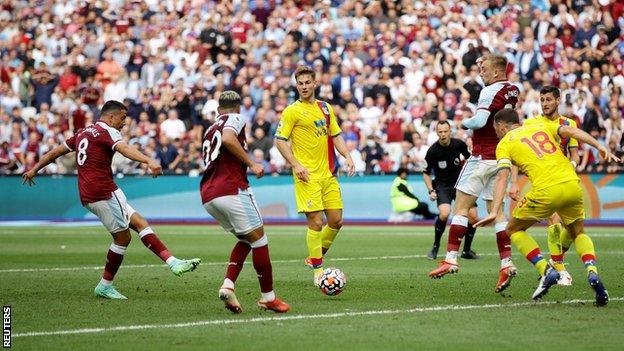 اهداف مباراة وست هام وكريستال بالاس (2-2) الدوري الانجليزي