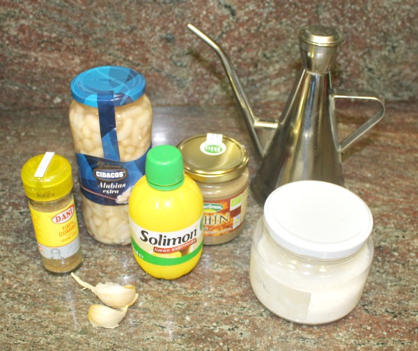 Ingredientes para hummus de judías blancas