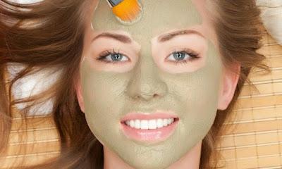 Masque visage maison à l'argile verte et au citron