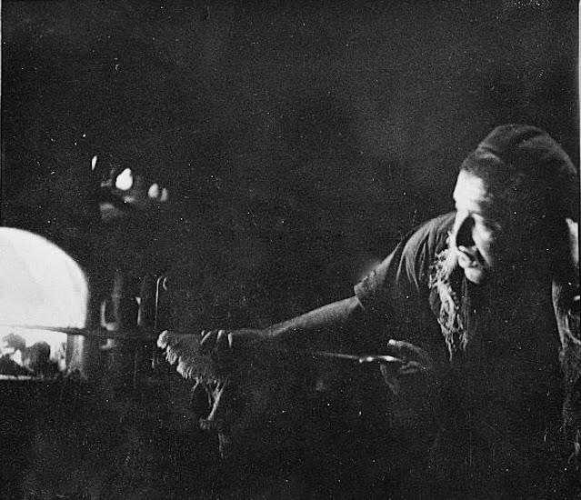 Οι αρμενιστές στην εποχή του ατμού κρίθηκαν ότι το μόνο που θα μπορούσαν να κάνουν ήταν να τροφοδοτούν με το φτυάρι κάρβουνο τις μηχανές.