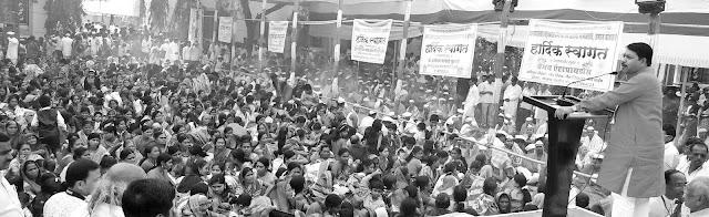 अक्कलकोटमध्ये गुरव समाजाचा 'महाव्रतबंध सोहळा' उत्साहात,महाराष्ट्र, कर्नाटकमधील दीडशे बटू मुलांना दिले उपनयन संस्कार