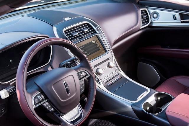 Interior view of 2019 Lincoln Nautilus Black Label