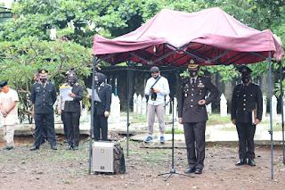 Kapolres Pelabuhan AKBP M Kadarislam Pimpin Upacara Pemakaman Anggotanya