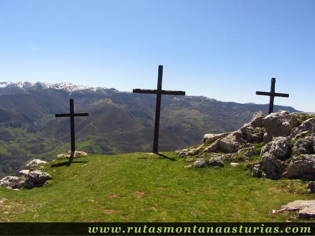 Tres cruces en la Ermita del Alba
