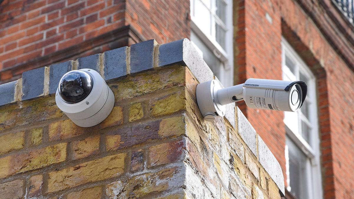 Bullet cameras VS Dome cameras: PROs and CONs