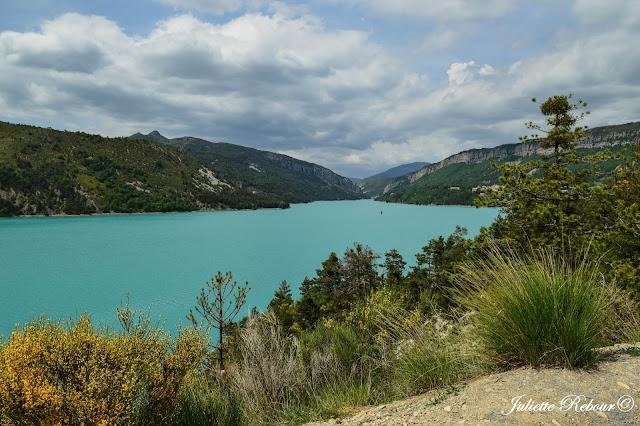 Lac de Castillon dans le Verdon, France