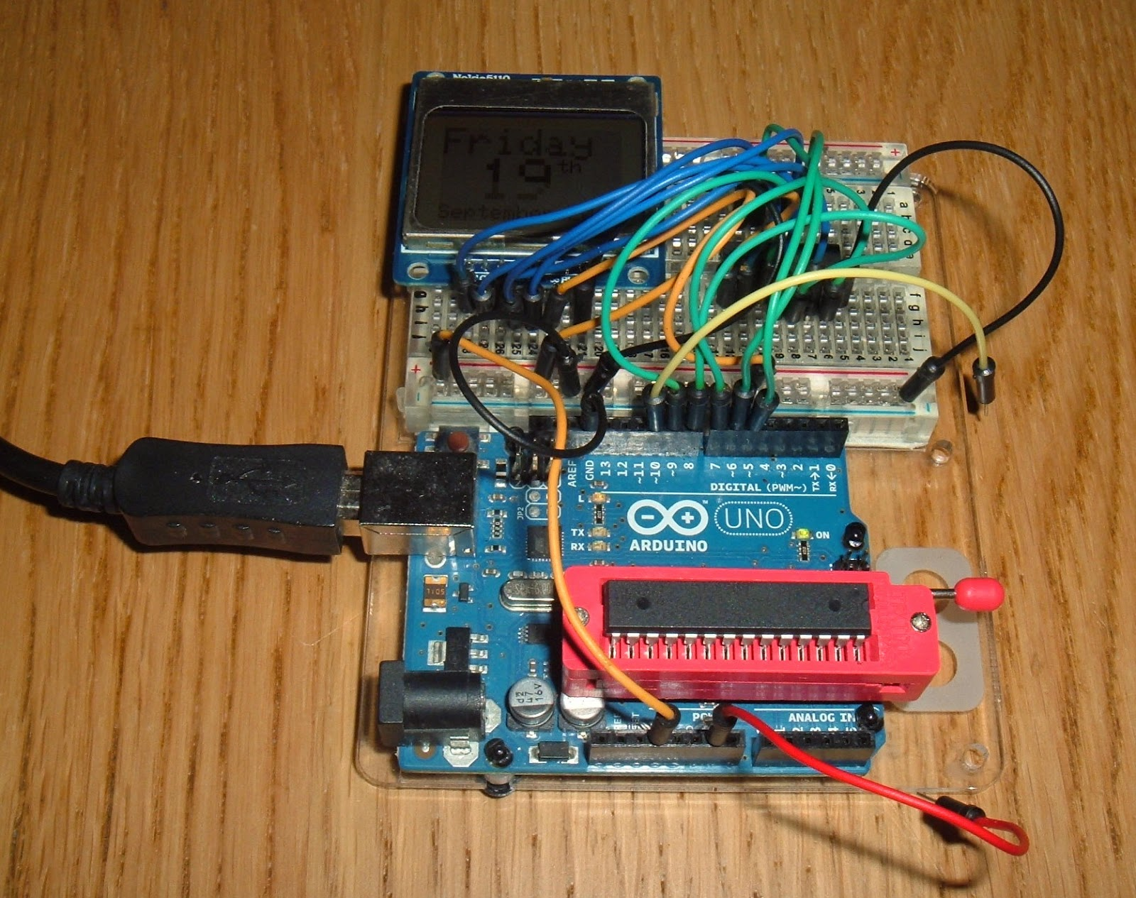 Simple battery powered, LCD clock     - Tynemouth Software