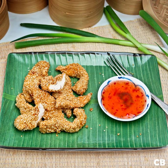 Recept: zo maak je zelf Aziatische kipreepjes met krokante sesamzaadjes en sweet chili sauce