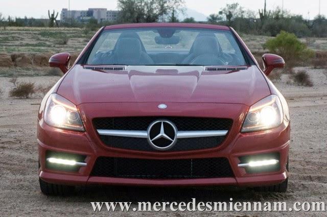 Xe Mercedes Benz SLK 350 AMG màu đỏ 02