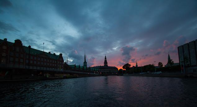 Crociera sui canali di Copenhagen-Tramonto