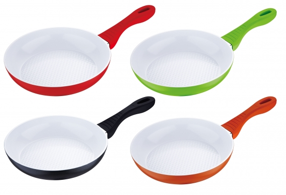 how to clean frying pan