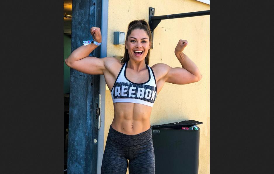Norwegian muscle girl Elisabeth Sletten