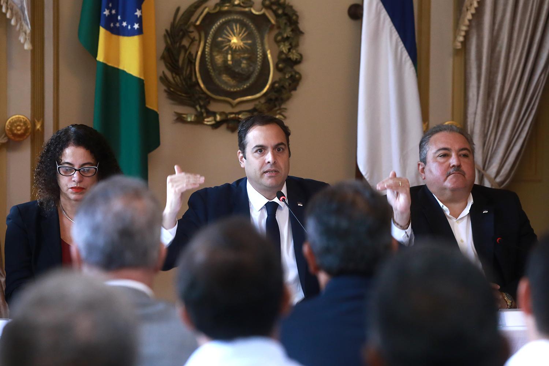 Governador Paulo Câmara testa positivo para o novo Coronavírus