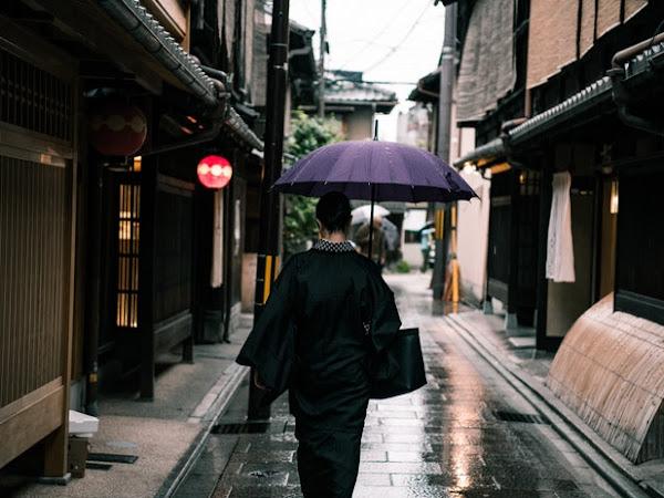 Aku Selalu Suka Sehabis Hujan di Bulan Desember