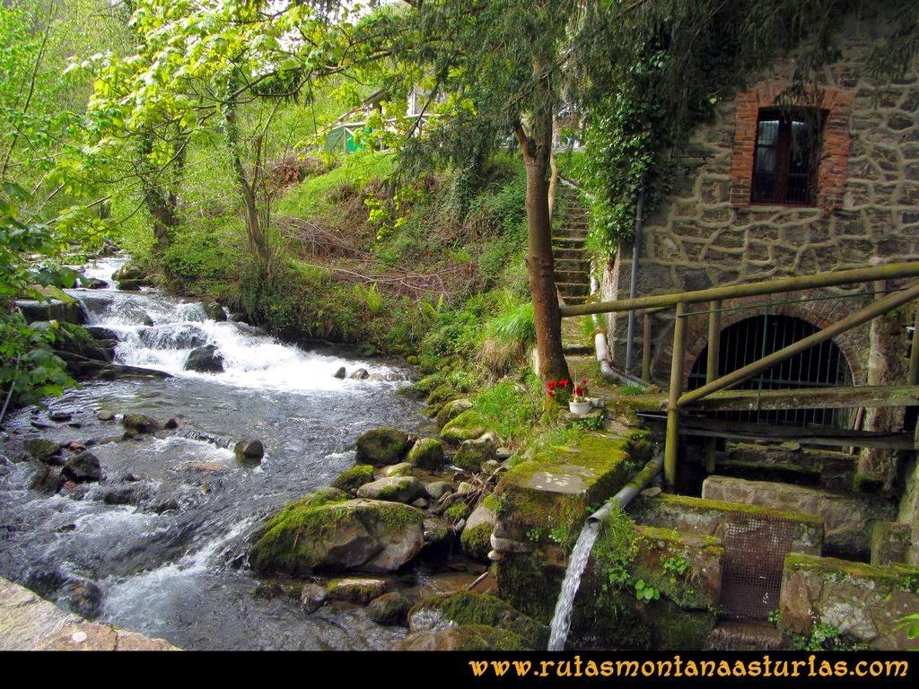 Ruta Peña Redonda: Molín junto al río