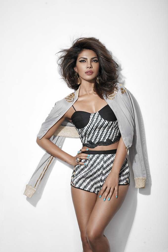 priyanka chopra hot photo shoot for cosmopolitan magazine hd photos indian girls villa. Black Bedroom Furniture Sets. Home Design Ideas