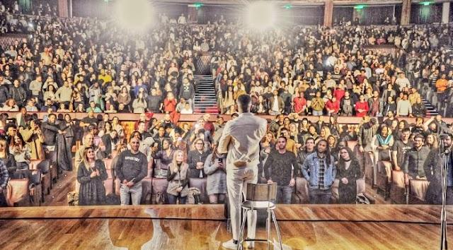 Gilmário Vemba volta a Portugal com novo espetáculo e com Sala Lotada