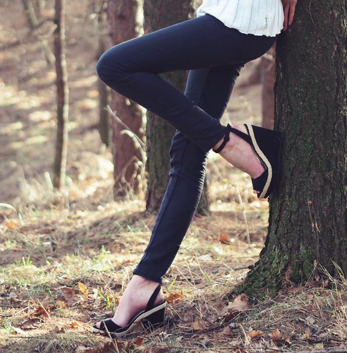 długie nogi, czarne rurki, zara