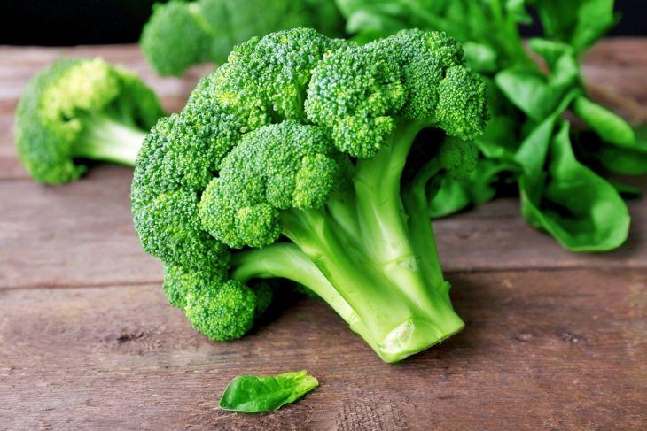 Brócolis ajuda o cérebro a se auto-reparar e regenerar revela estudo