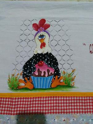 pintura em tecido semaninha de galinha - galinha com cupcake