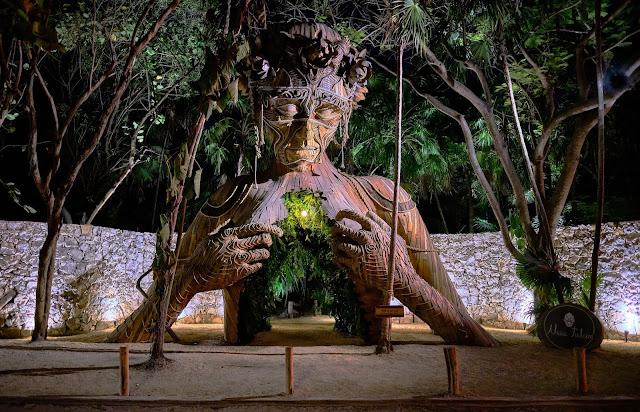 Parque esculturas gigantes Tulum