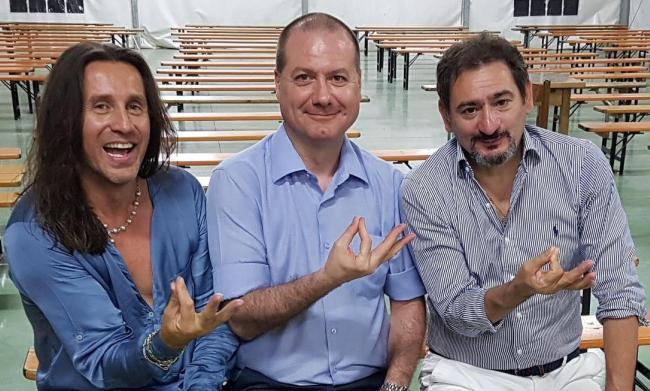 Nicola Pasqualato in compagnia di Povia e di Gianfranco Amato