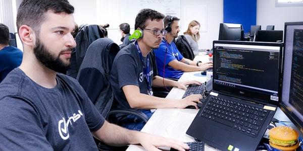 Empresa de software oferece capacitação gratuita com possibilidade de contratação