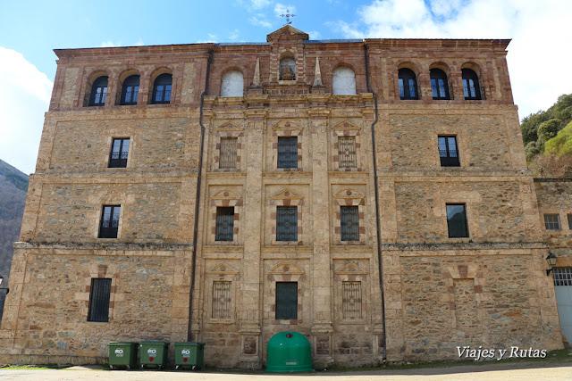 Exterior del Monasterio de Valvanera. La Rioja