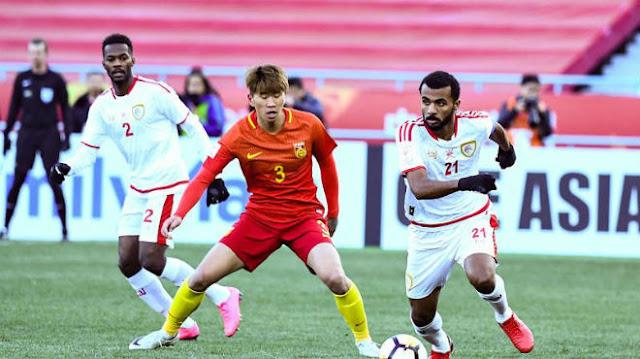 Bị loại cay đắng, cầu thủ Trung Quốc đòi 'xử' trọng tài 1