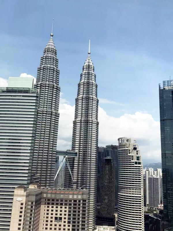 Viewing Menara KL & Petronas Twin Towers