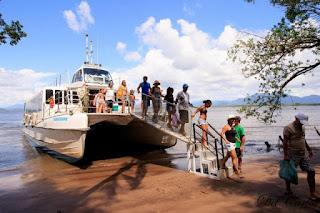 Viagem de Catamarã no sábado 12/10 ao Marujá leva ao espetáculo dos botos