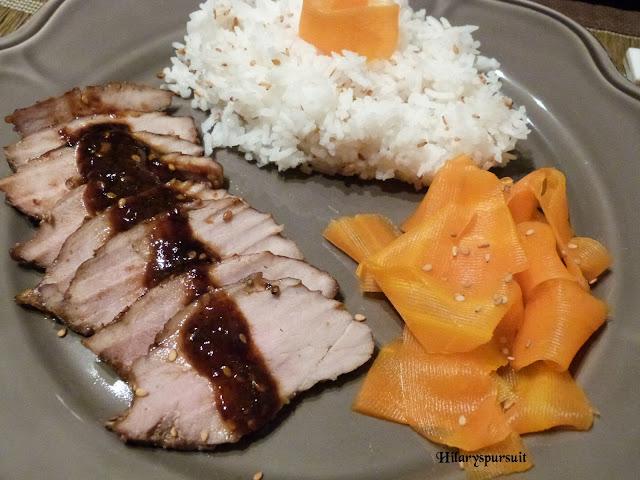 Filet mignon de porc laqué et son riz au sésame