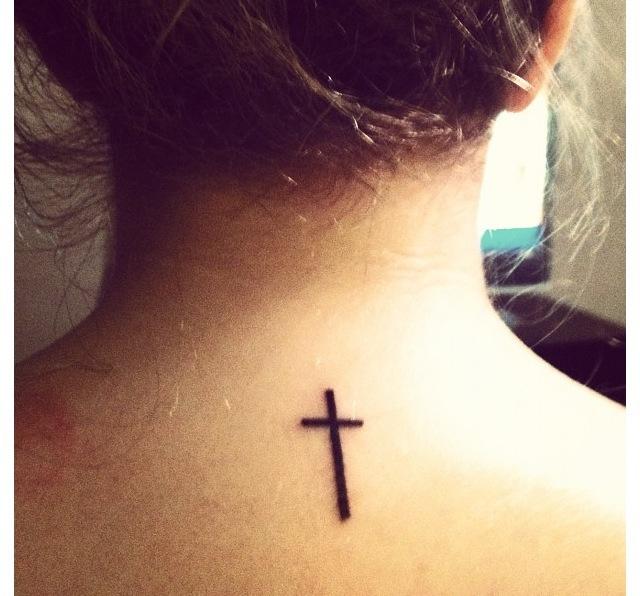 Tatuajes De Cruces Femeninas Belagoria La Web De Los Tatuajes