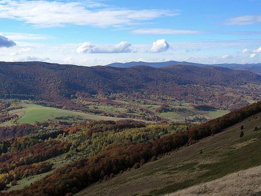 Panorama zachodnia z Połoniny Caryńskiej.