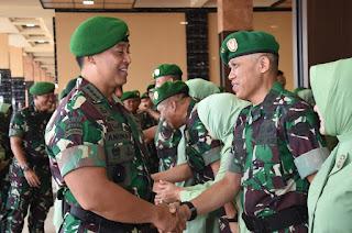 Kabaranahan Kemhan dan 24 Pati TNI AD Laporan Korps Kenaikan Pangkat kepada Kasad