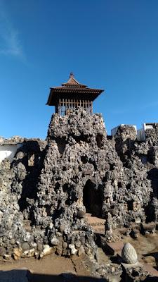 Gua Sunyaragi Yang Sakral di Cirebon