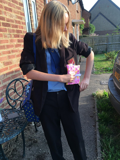 teenager with thewrapper eco- reusable food packaging
