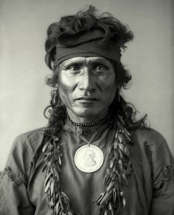 Red-Fish-Dakota-Sioux.jpg