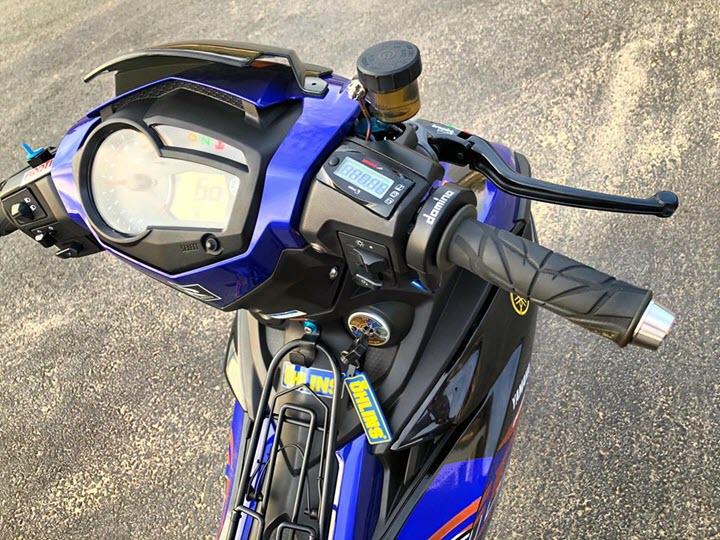Yamaha Exciter 150 trong bản độ full đồ hiệu của Biker miền biển