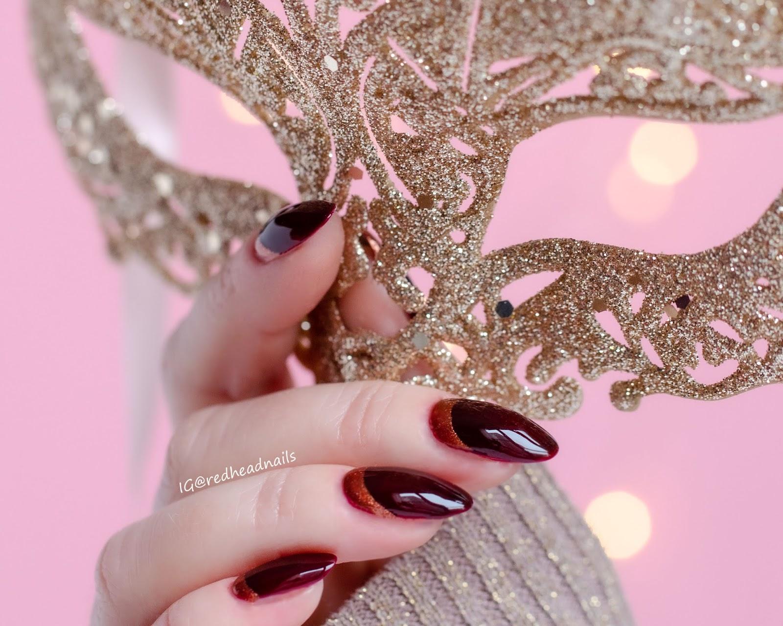 Eleganckie karnawałowe zdobienie z Golden Rose