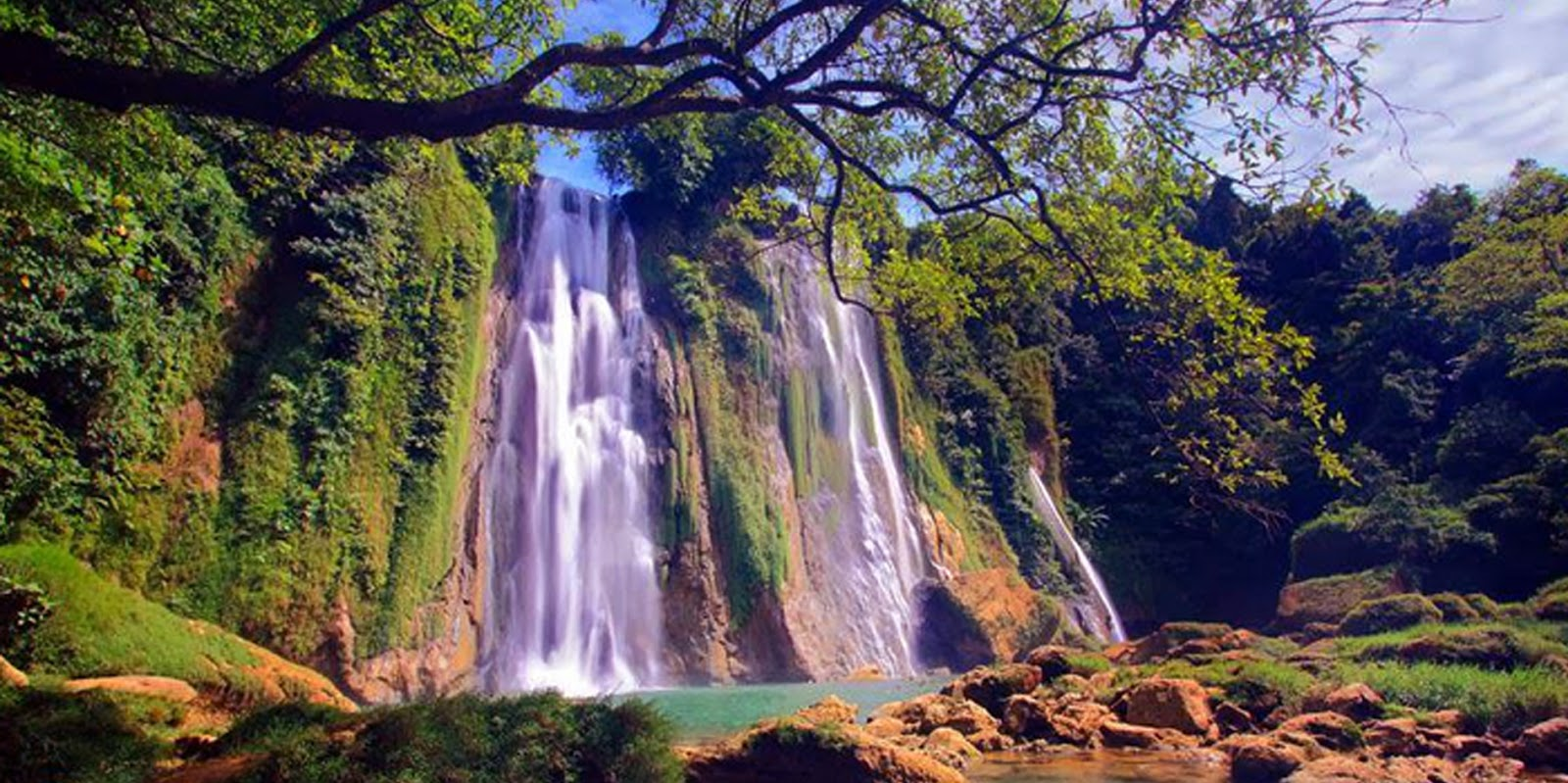 Sembilan Curug Indah di Jawa Barat | Travel Wisata di Jawa Barat