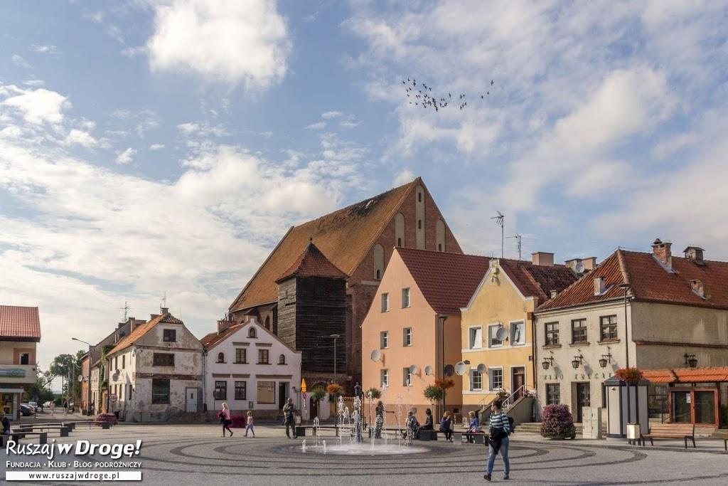 Na rynku we Fromborku