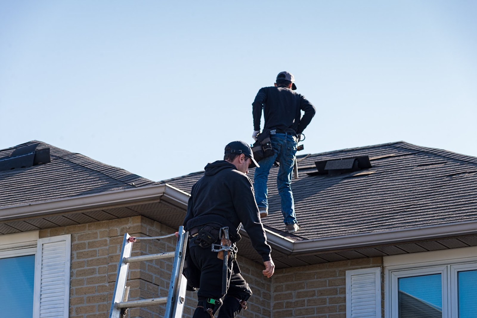 4 Reasons to Get a Roof Inspection this Fall