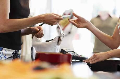 Intenção de financiamento das famílias tem alta de 12% em junho