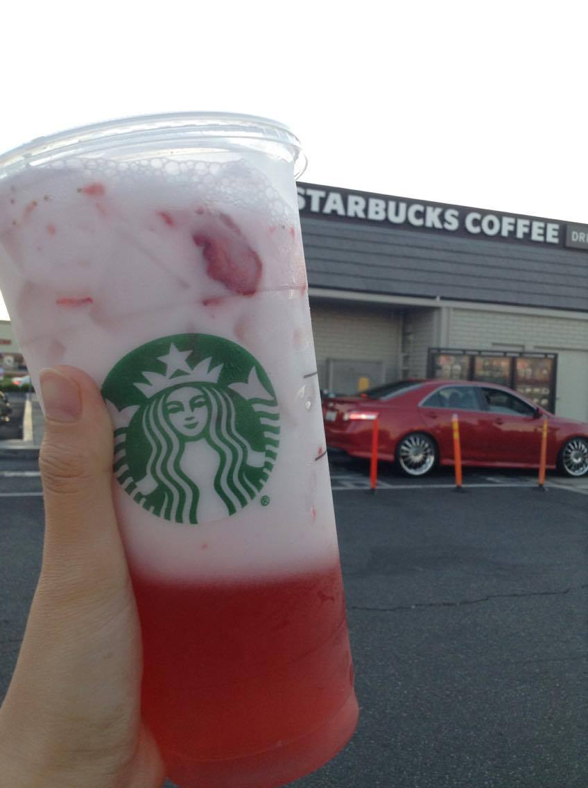 HAVE YOU TRIED THE PINK DRINK HYPE FROM STARBUCKS YET?